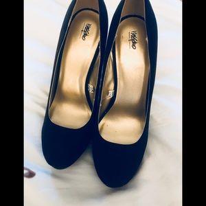EUC Mossimo suede high heels